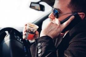 Avoiding Car Accidents from Distracted Driving This Summer